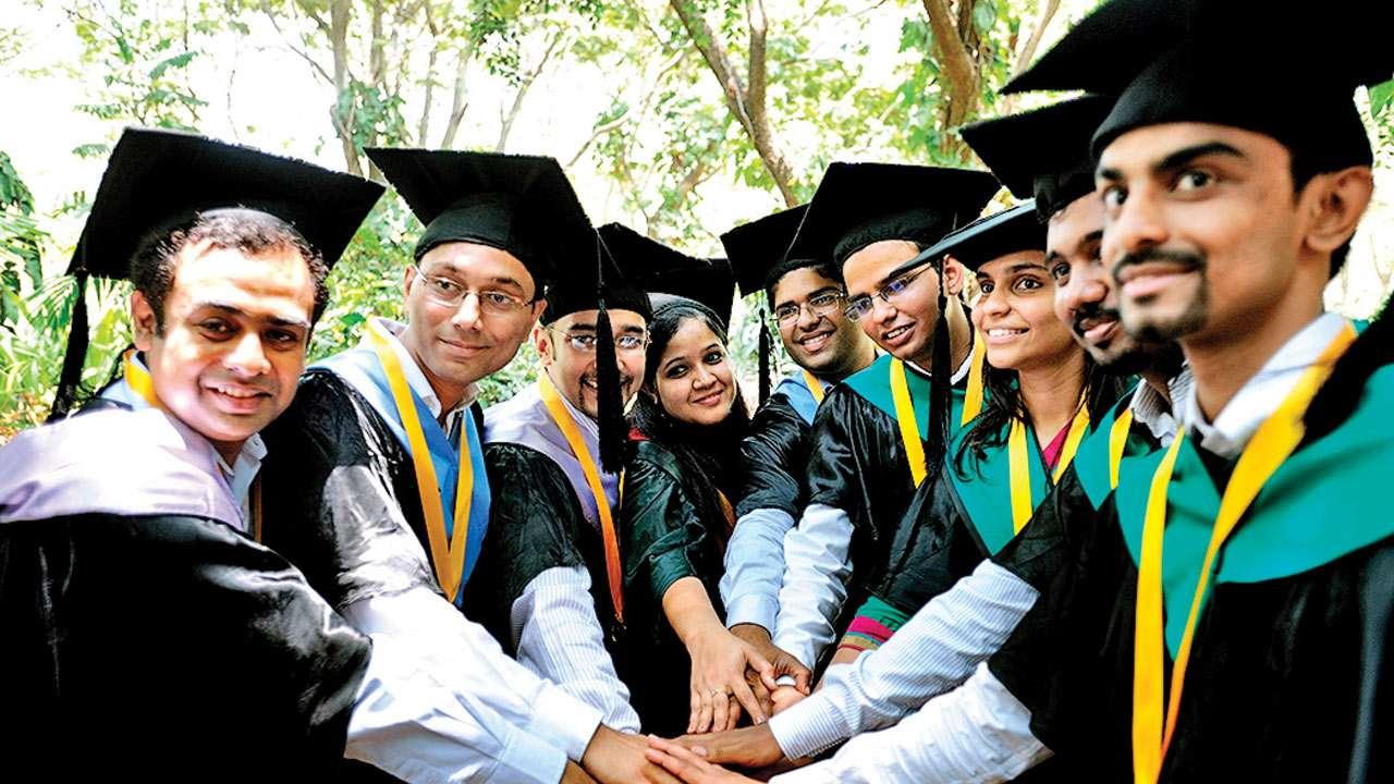 Lulusan Program Studi Manajemen