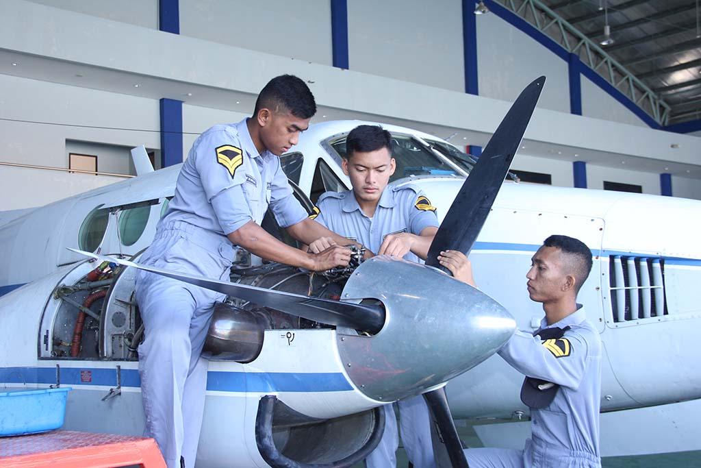 POLTEKBANG Makassar