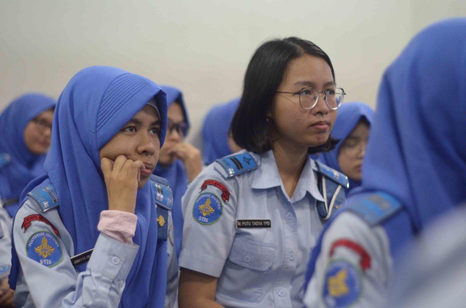 Sekolah Kedinasan Kacamata STIS