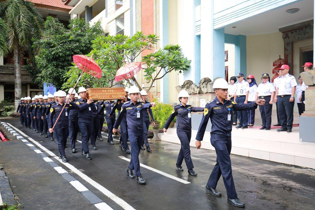 Penerimaan Poltrada Bali