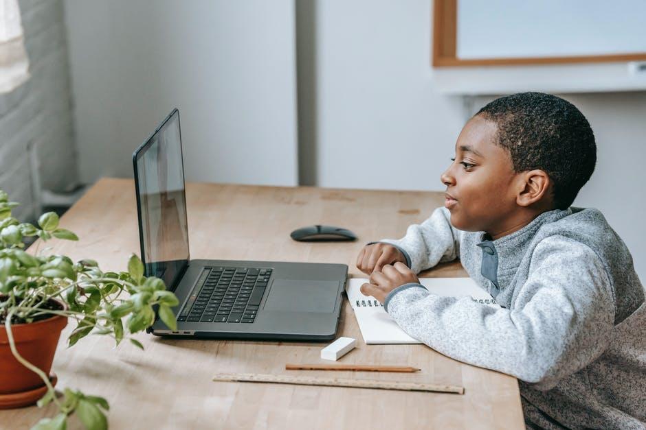Bosan Kelas Online Terus? Yuk, Ikuti 7 Tips Ini!