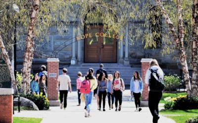 Sering Dengar Tri Dharma Perguruan Tinggi? Apa Artinya?