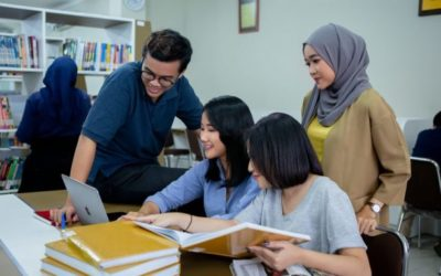 Kelas Karyawan Adalah Pilihan Tepat Kuliah Sambil Kerja, Cari Tahu, Yuk!